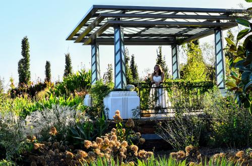 je and le mabee grange - Tulsa Botanic Garden